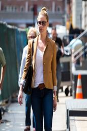 Katherine Heigl in Jeans - Out in NYC - April 2014
