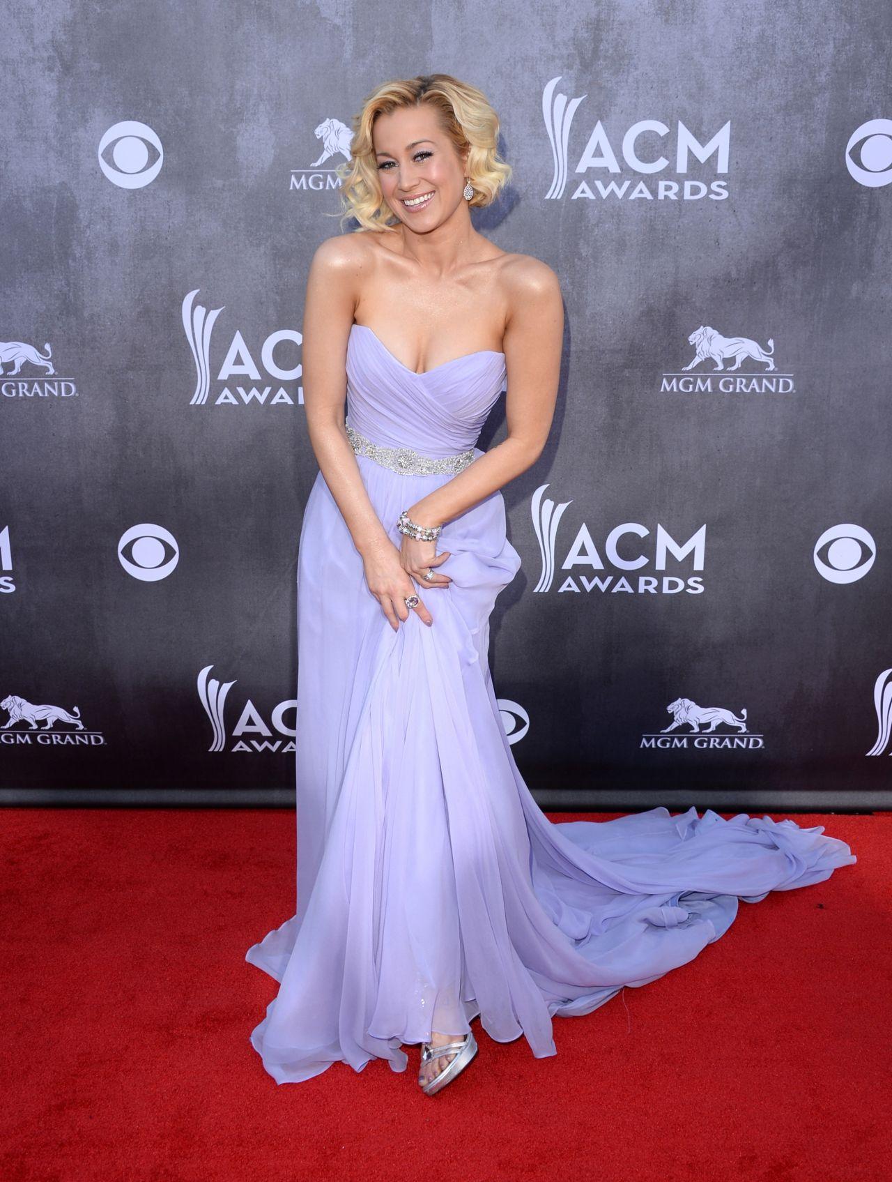 Kellie Pickler In Romona Keveza Gown 2014 Academy Of