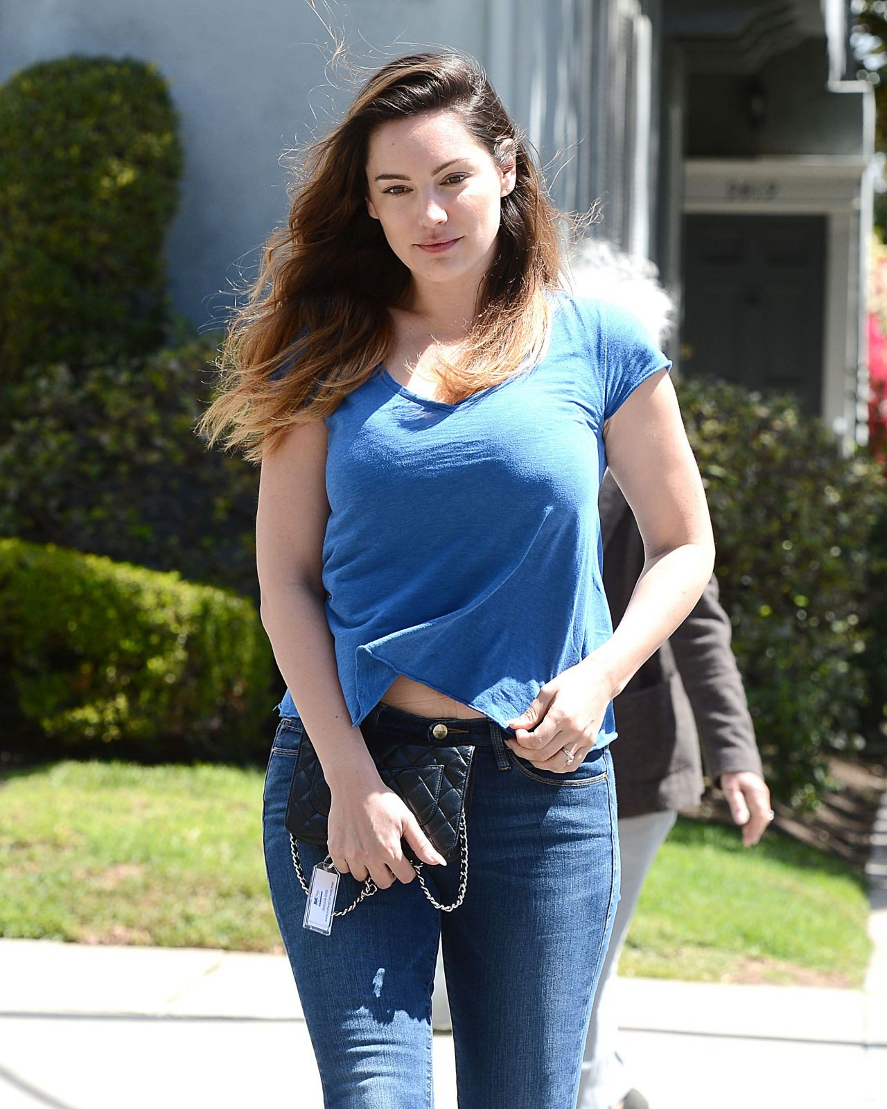 Kelly Brook Goes To An Ob Gyn Doctors Office In Beverly Hills
