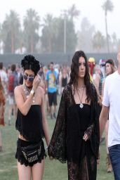 Kendall & Kylie Jenner at the Coachella Festival in Indio (2014)
