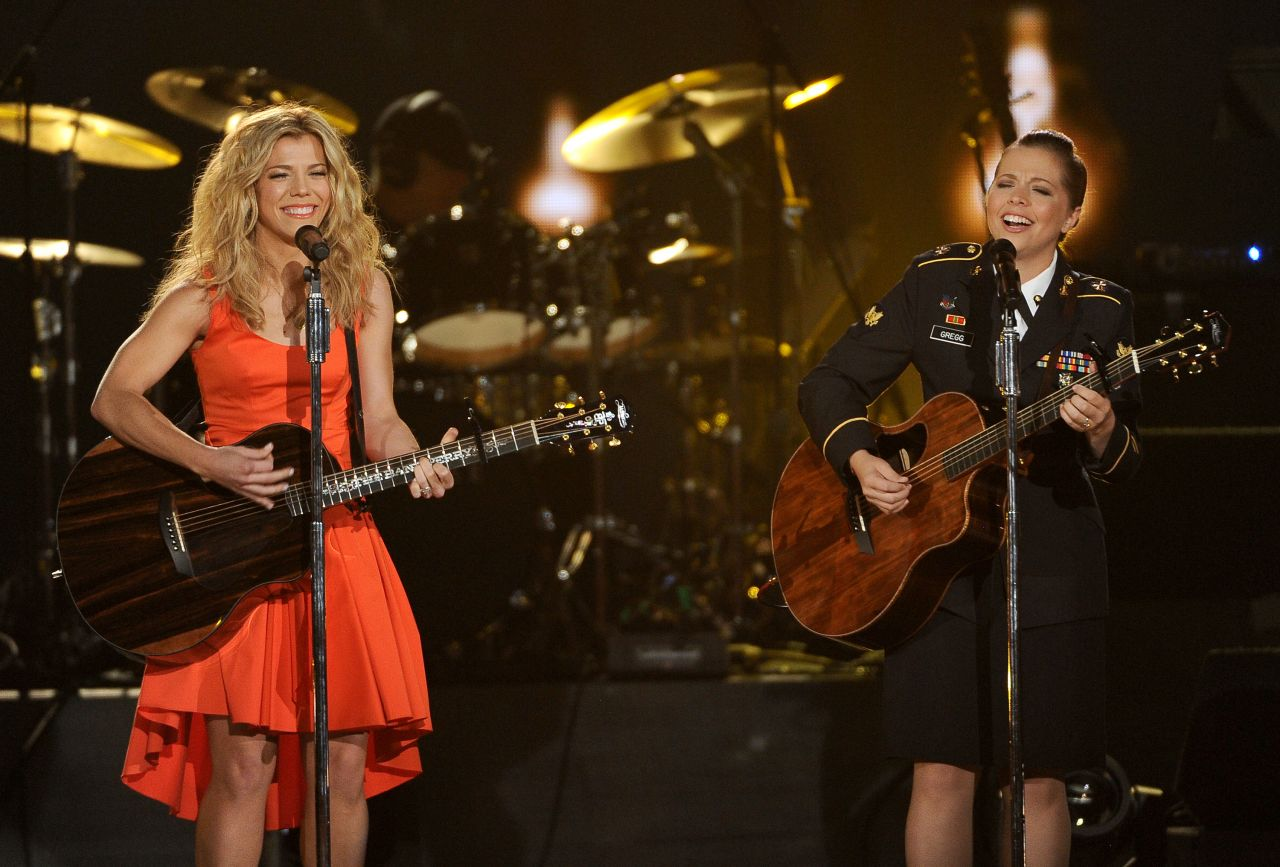 Kimberly Perry - ACM Presents an All-Star Salute to the Troops - April 2014