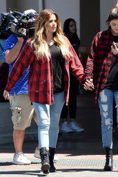 Kylie Jenner & Khloe Kardashian -