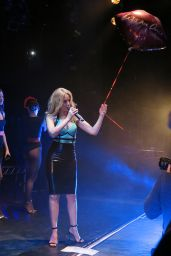 Kylie Minogue Performs at Trak Lounge in Melbourne (Australia)