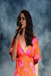 Lana Del Rey Performs at 2014 Coachella Music Festival - Day 3