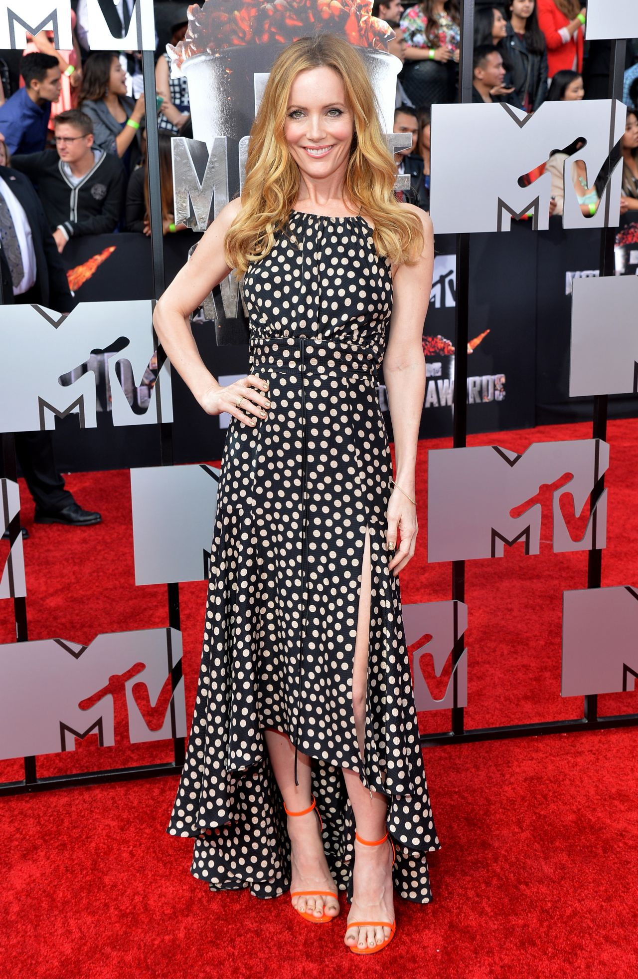 Leslie Mann in Juan Carlos Obando Chiffon Dress - 2014 MTV Movie Awards
