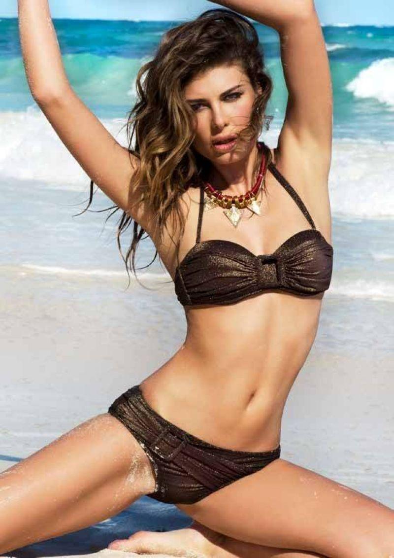 Maria Gabriela Isler Bikini Photoshoot Yamamay Summer