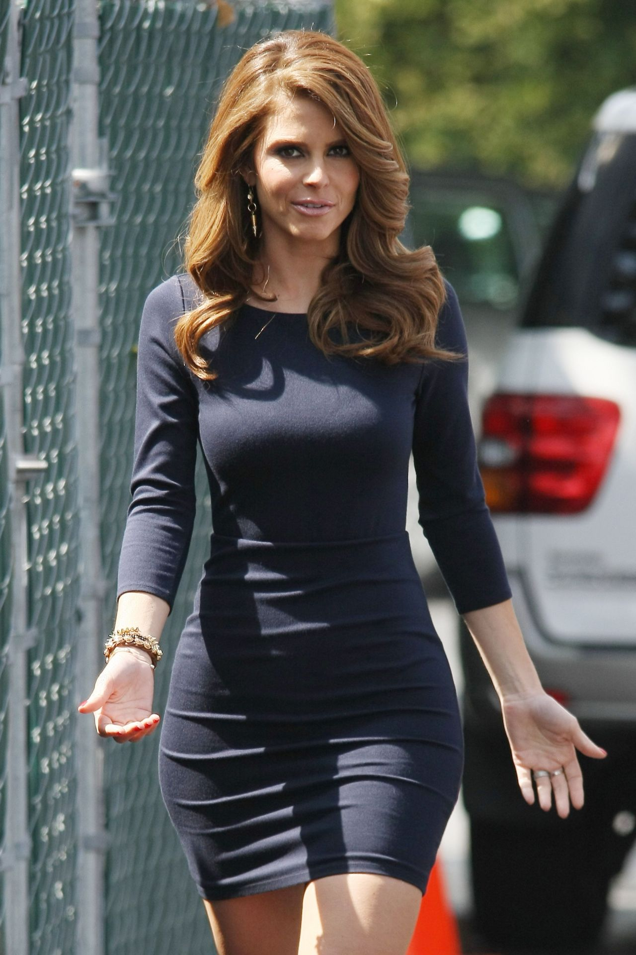 Maria Menounos In Mini Skirt On The Set Of Extra In Los