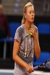 Maria Sharapova Practice in Stuttgart (Germany) - April 2014