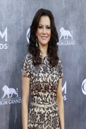 Martina Mcbride Wearing David Meister Gown - 2014 Academy Of Country Music Awards in Las Vegas