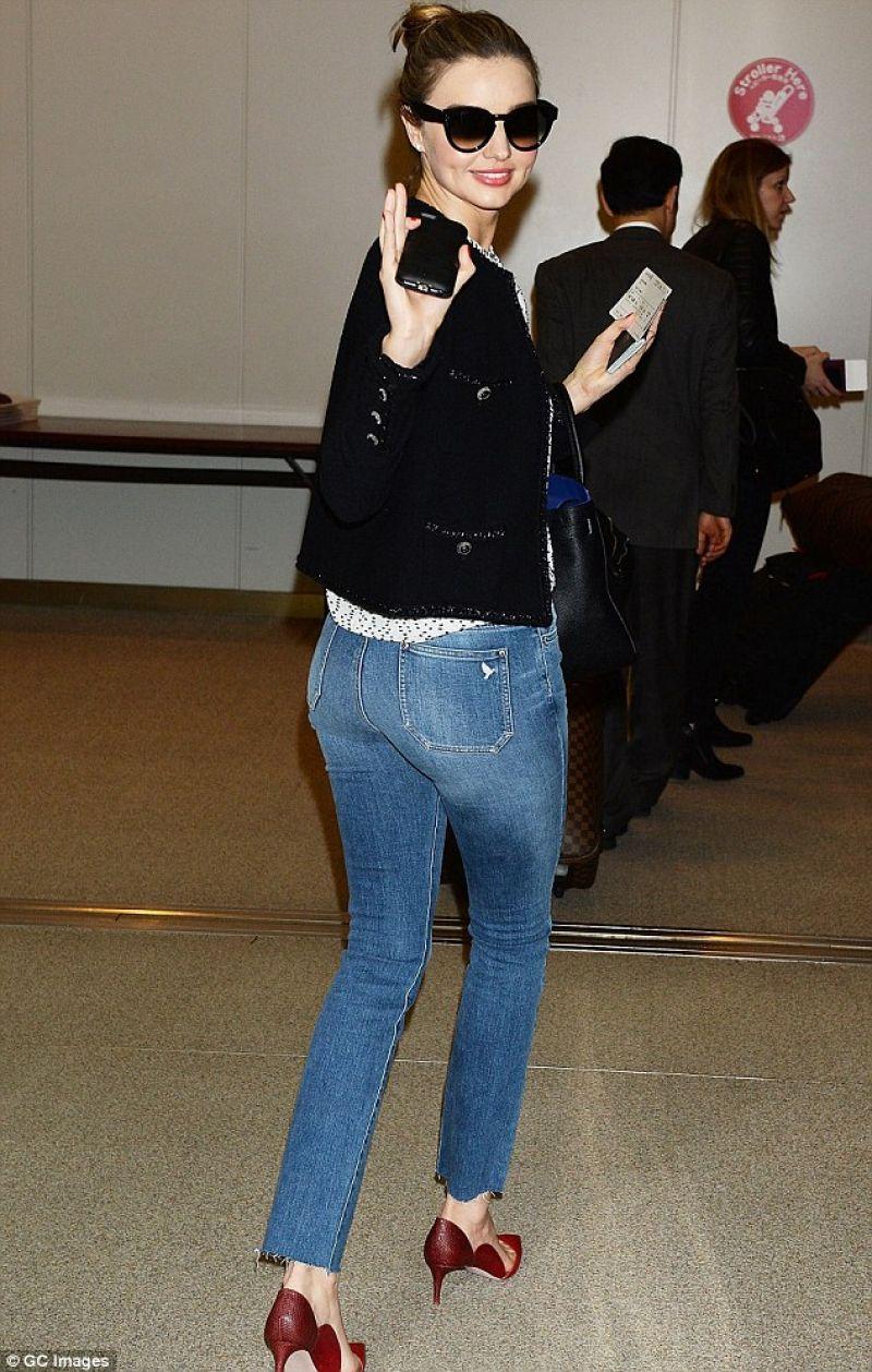 Miranda Kerr in Japan - Narita International Airport in Tokyo