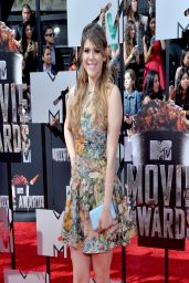 Molly Tarlov Wearing Valentino Macro-Floral Print Dress - 2014 MTV Movie Awards