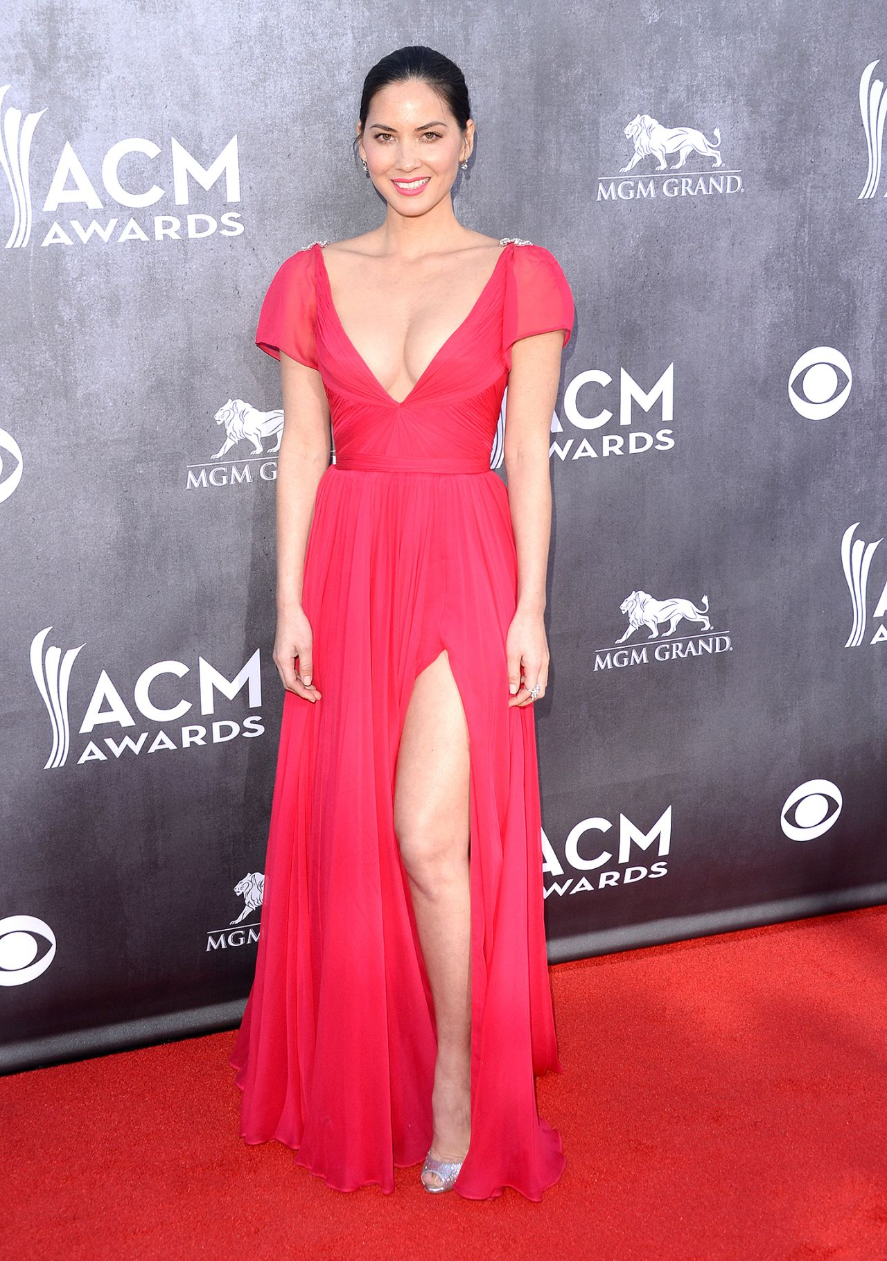 Olivia Munn Wearing Reem Acra Dress - 2014 Academy Of Country Music Awards