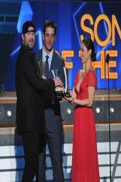 Olivia Munn Wearing Reem Acra Dress - 2014 Academy Of Country Music Awards