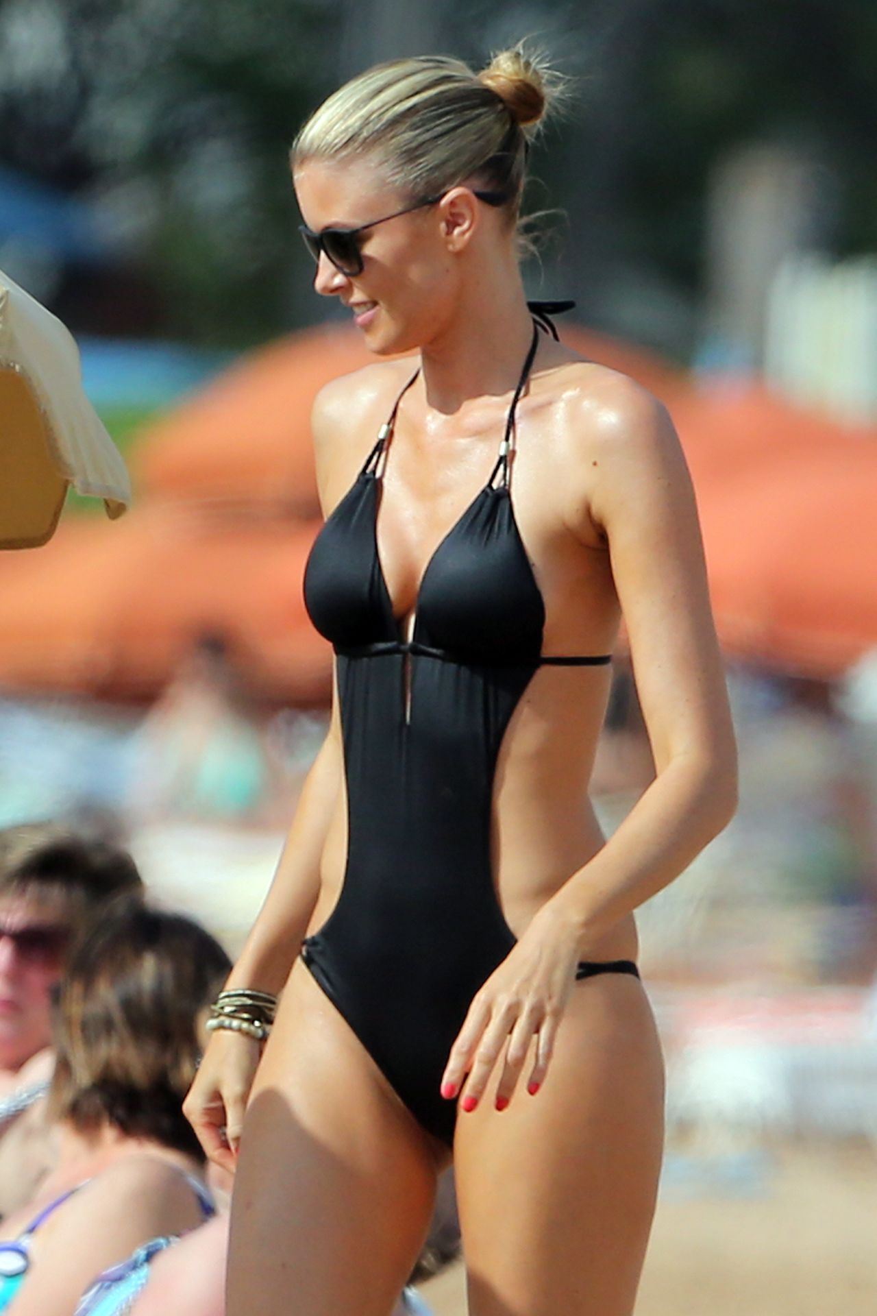 Paige Butcher In Swimsuit Beach In Hawaii April 2014