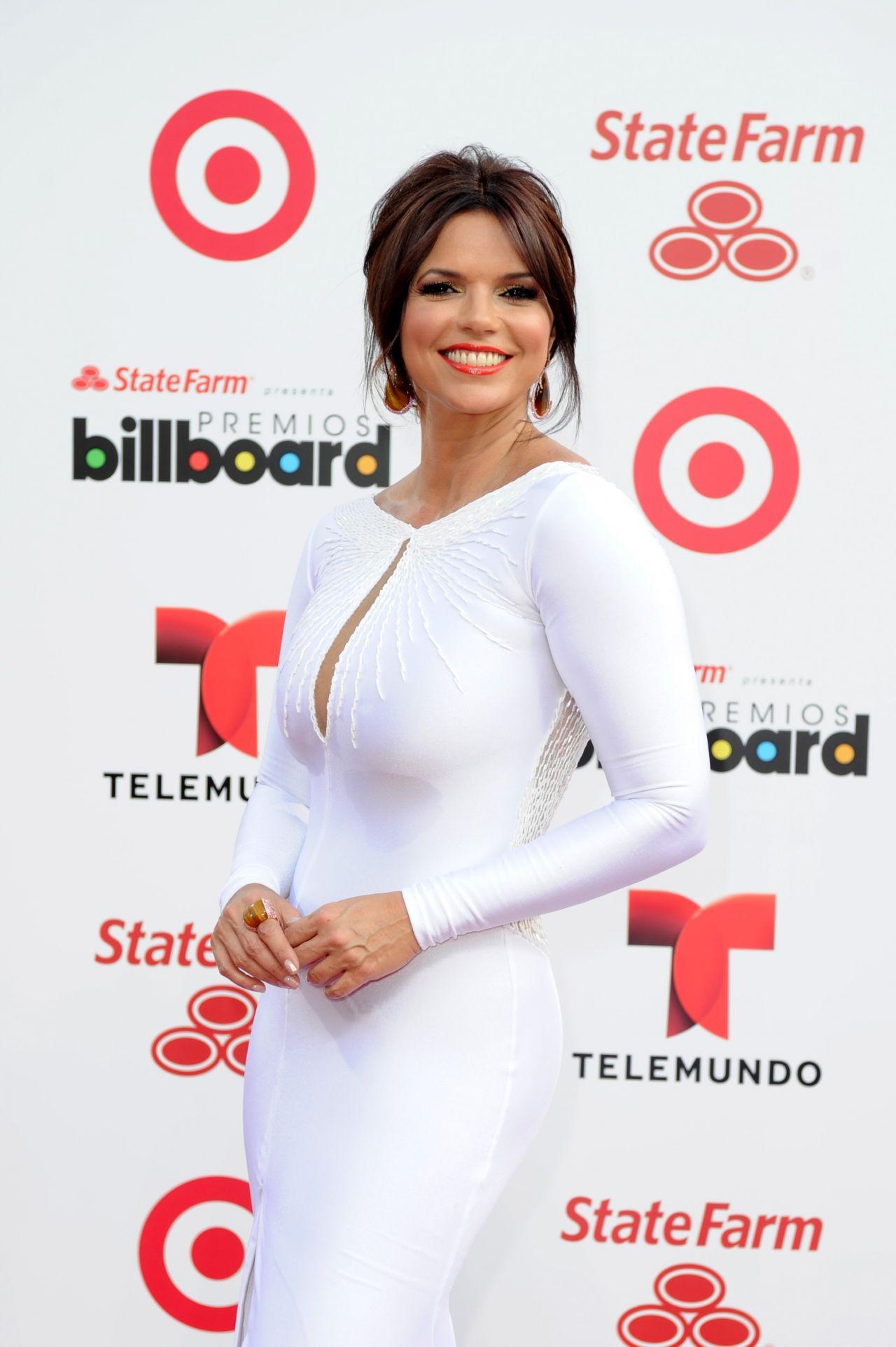 Rashel Diaz on Red Carpet - 2014 Billboard Latin Music Awards