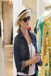 Reese Witherspoon Casual Style - Shopping at Melrose Place - April 2014