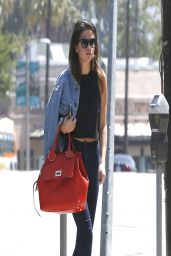Selena Gomez Casual Style - at Starbucks in Studio City - April 2014