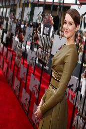 Shailene Woodley in Balmain Dress - 2014 MTV Movie Awards in Los Angeles