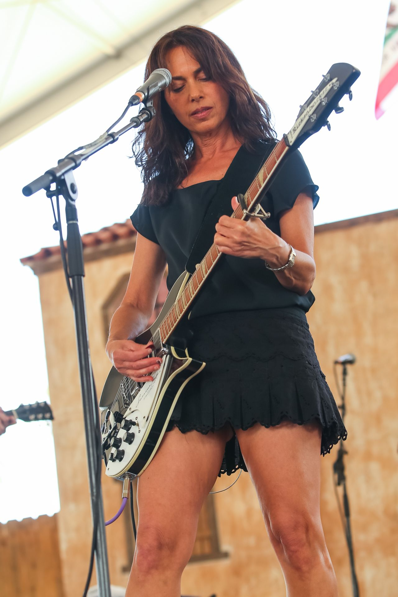 Susanna Hoffs Performs at 2014 Stagecoach Festival in Indio