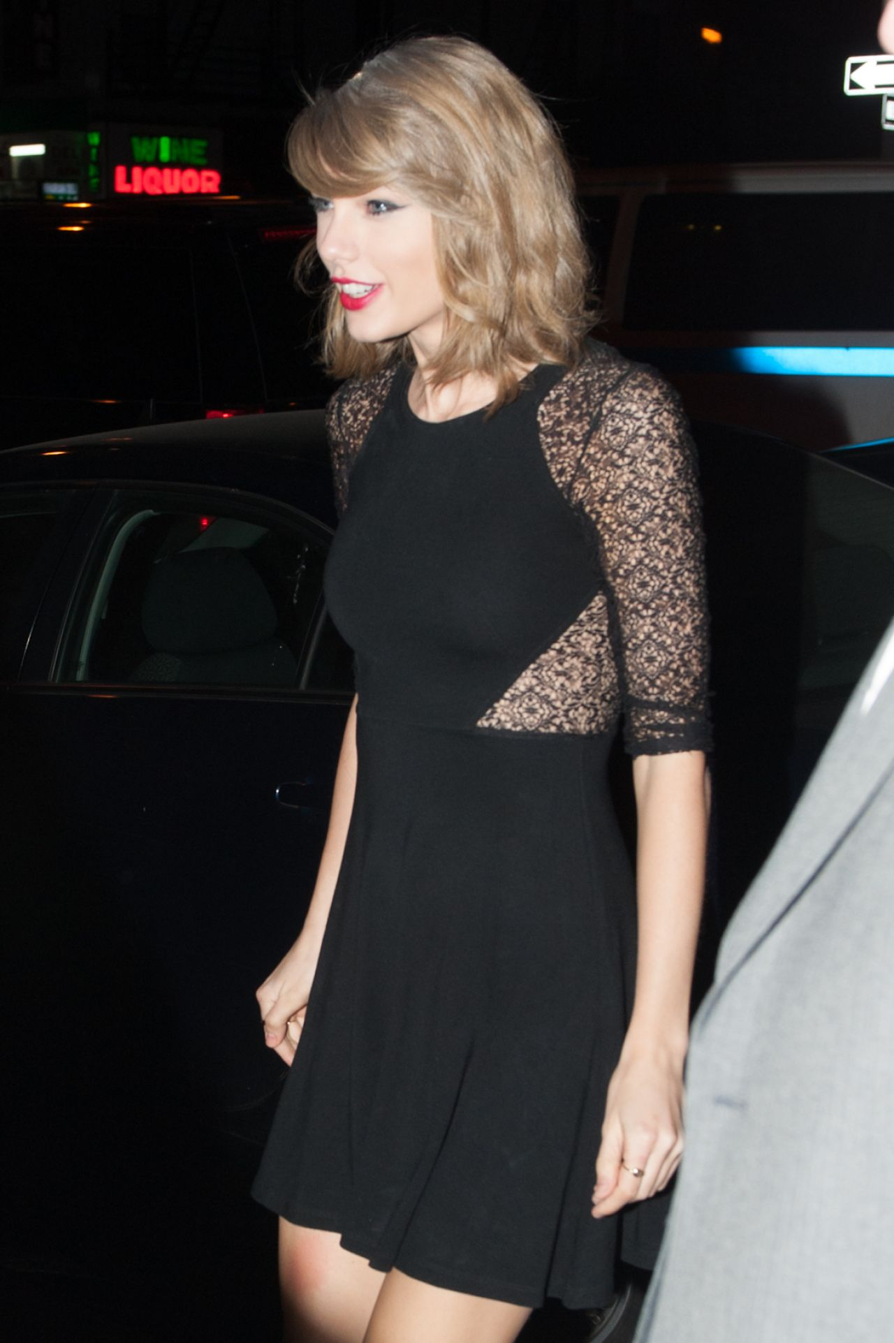 Taylor Swift Arrives At The Snl Studios April 2014