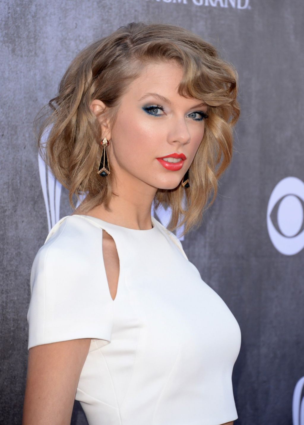 Taylor Swift Inspired Makeup Tutorial: 2014 Academy Of Country Music