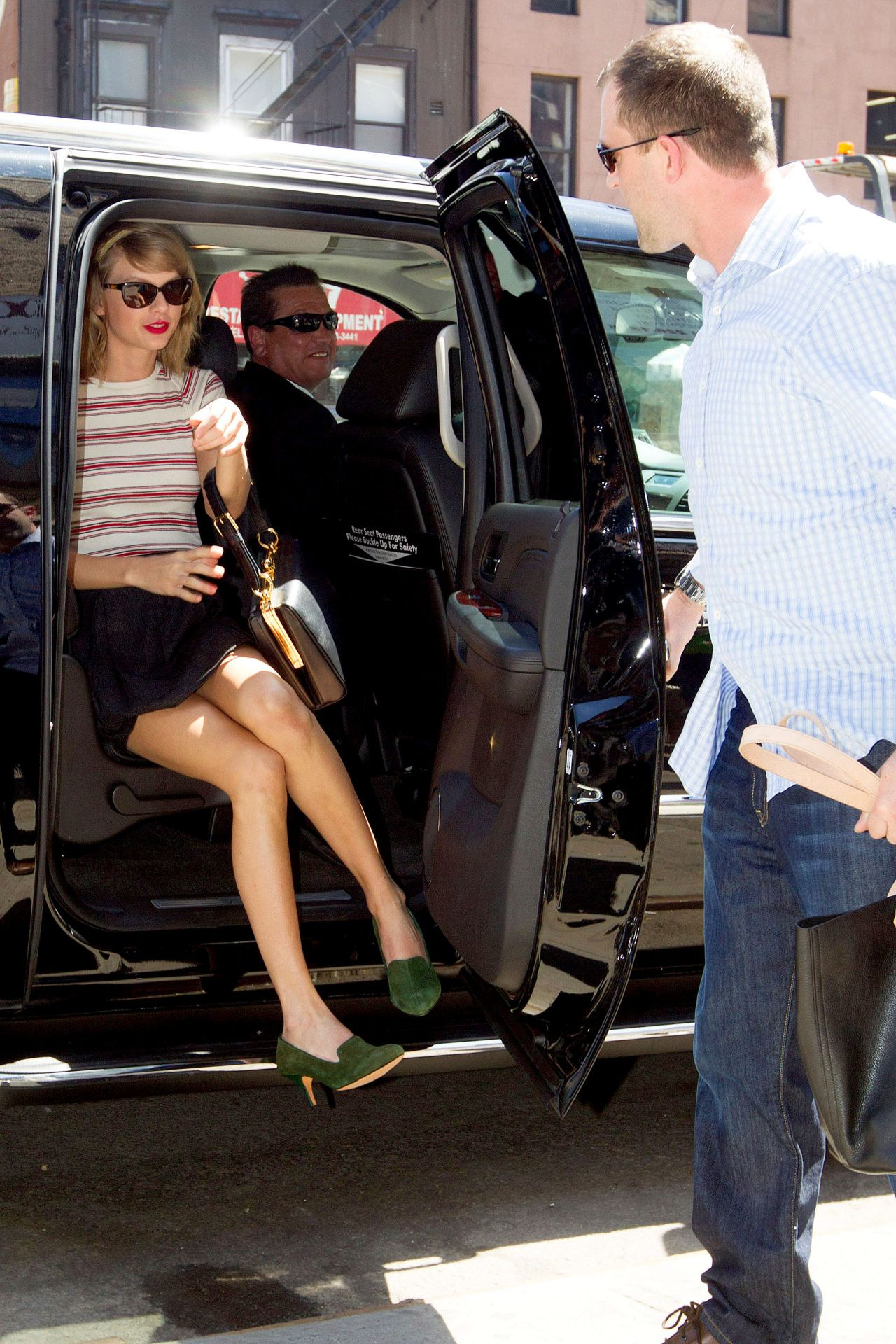taylor swift in mini skirt out in nyc april 2014