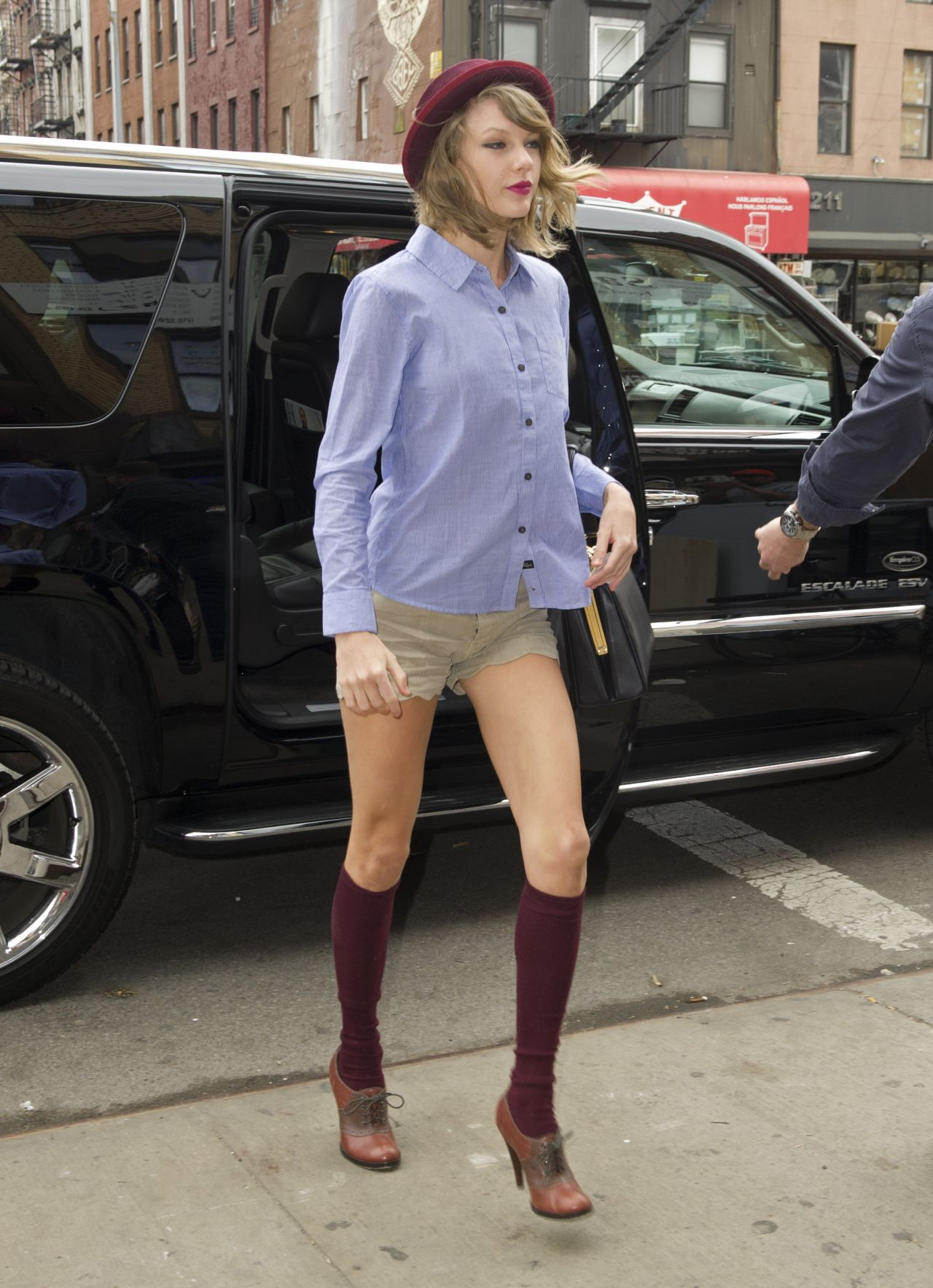 Taylor Swift - Leaving Her apartment in Tribeca - New York City, April 2014