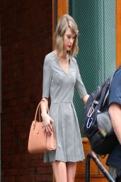 Taylor Swift Leggy - Out in New York City - April 2014