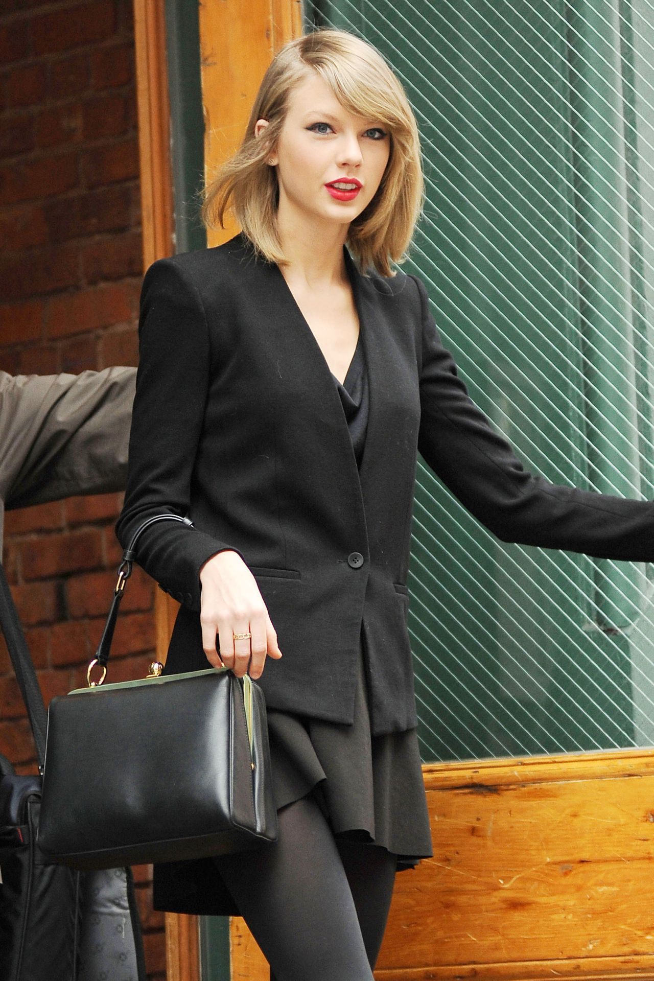 Taylor Swift Spring Style Out In New York City April 2014
