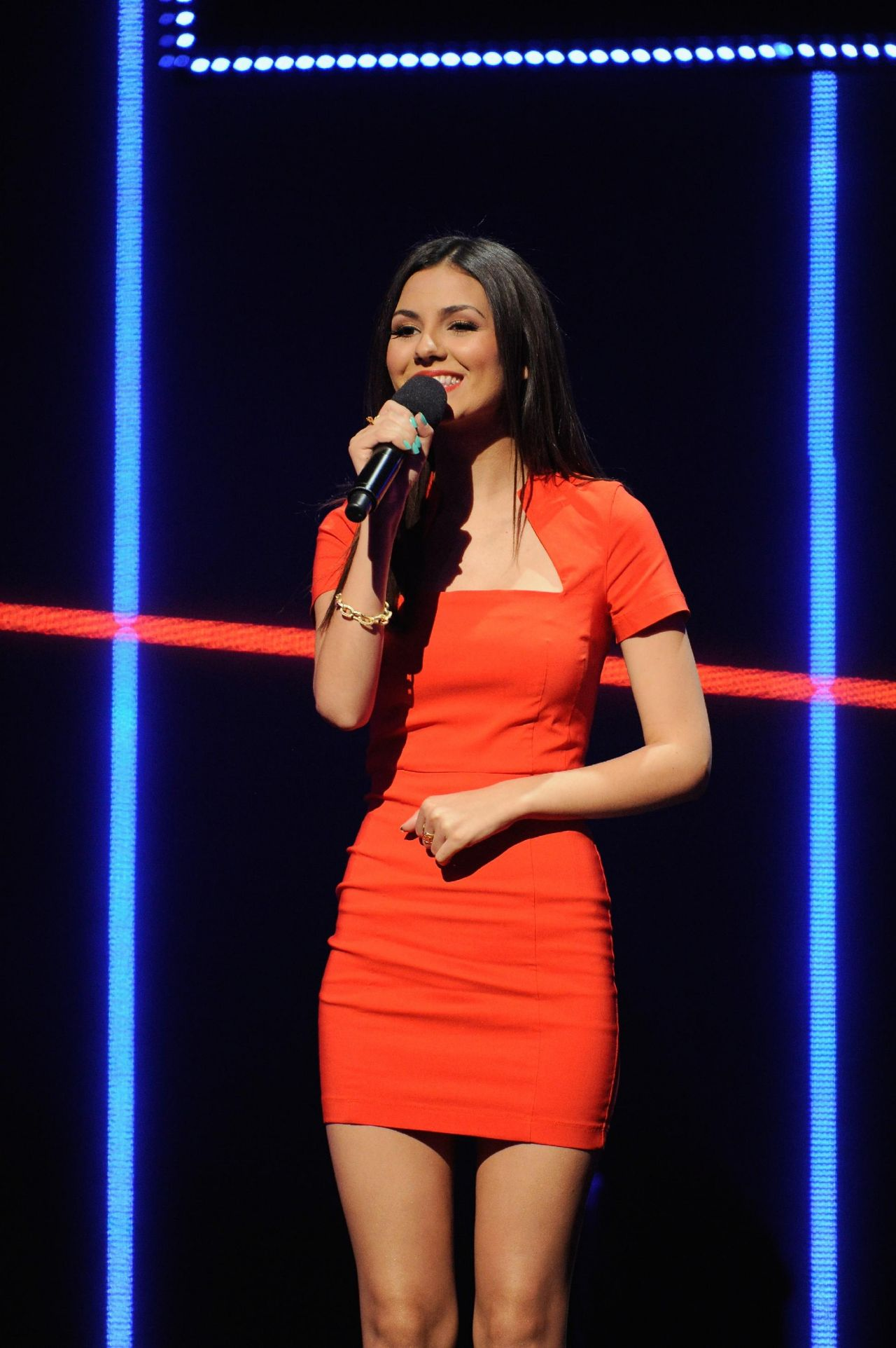 Victoria Justice In Red Dress At Mtv Upfront April 2014