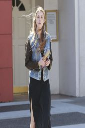 Whitney Port Street Style - at a Verizon Wireless Store in Beverly Hills