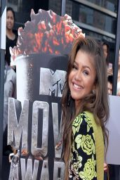 Zendaya Wearing Emanuel Ungaro Yellow and Black Floral Dress - 2014 MTV Movie Awards