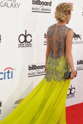 Carrie Underwood Wearing Oriett Domenech Gown - 2014 Billboard Music Awards in Las Vegas