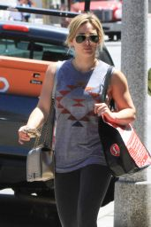Hilary Duff in Tights - Running Errands in Los Angeles - May 2014