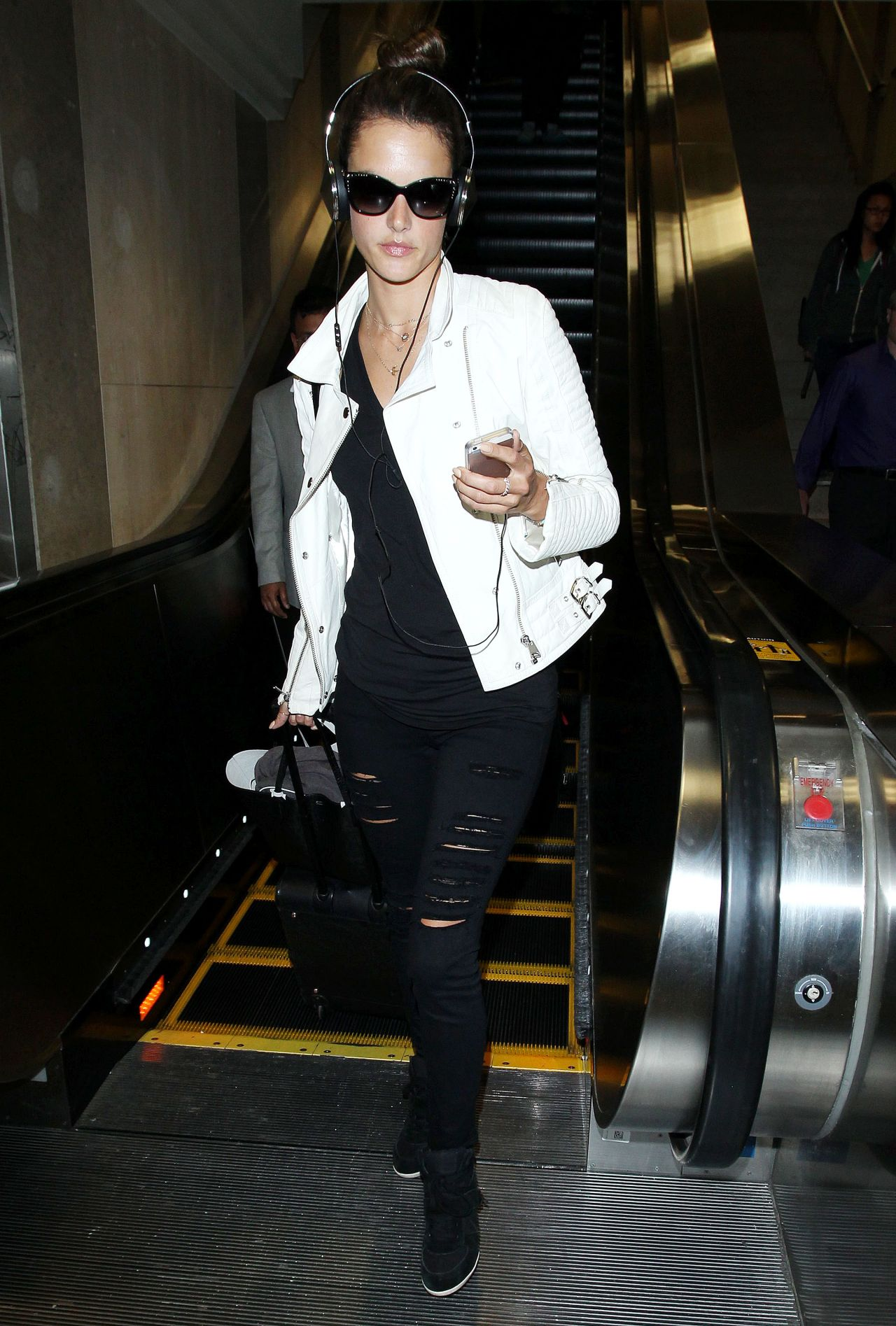 Alessandra Ambrosio - Los Angeles International Airport - May 2014