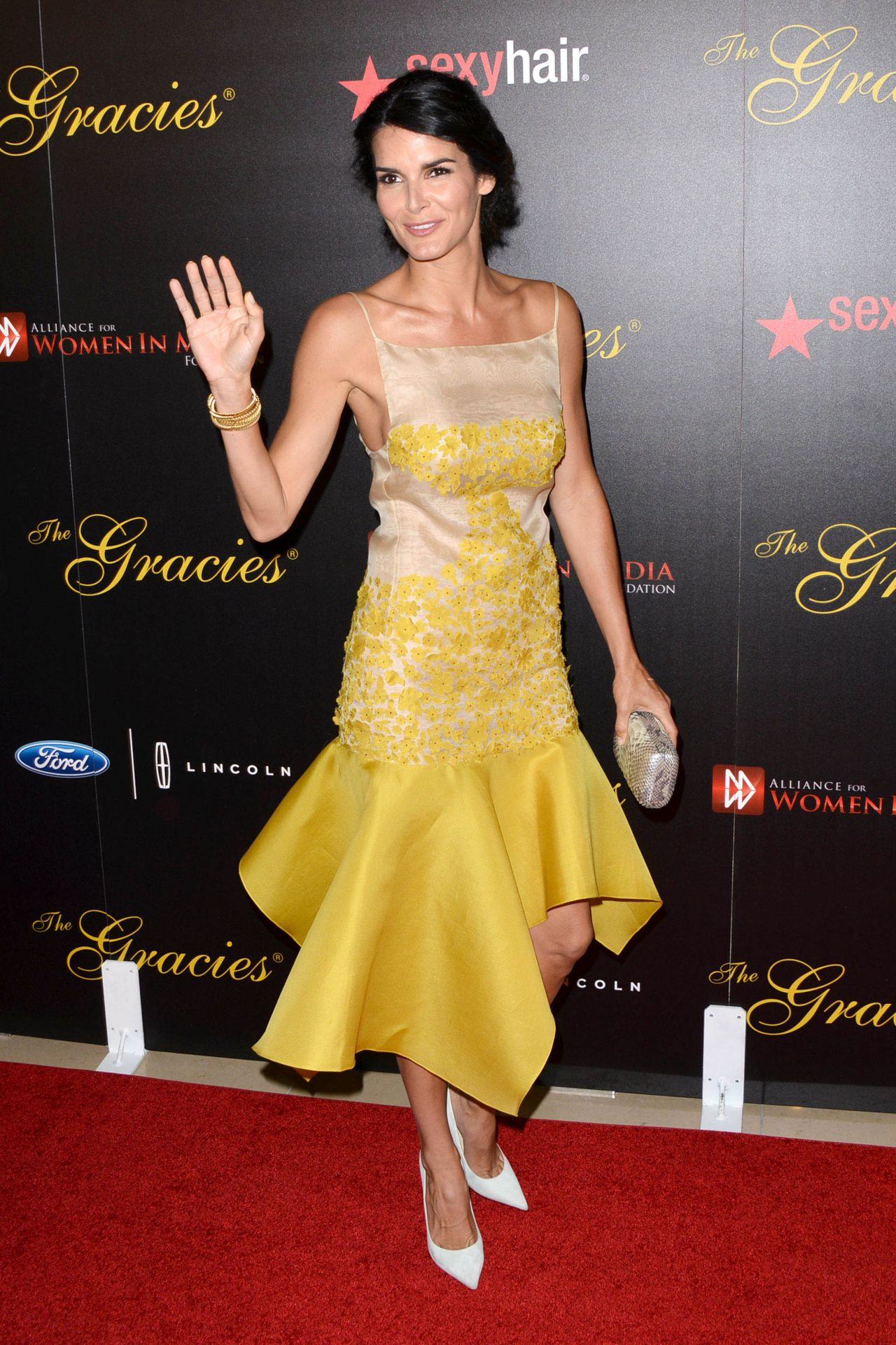 Angie Harmon 2014 Gracie Awards In Beverly Hills