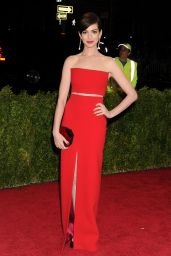 Anne Hathaway Wearing Calvin Klein Collections – 2014 Met Costume Institute Gala