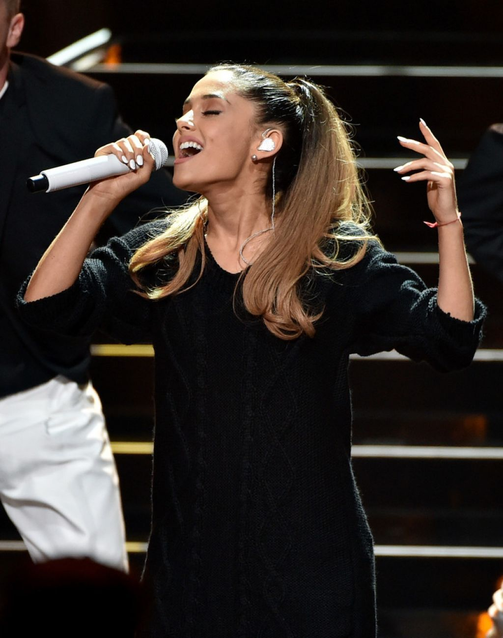 ariana grande 2014 iheartradio music awards in los angeles