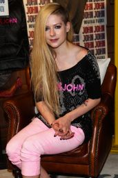Avril Lavigne at Brazilian John John