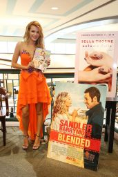 Bella Thorne – Seventeen Magazine Signing at Barnes & Noble in Miami - May 2014