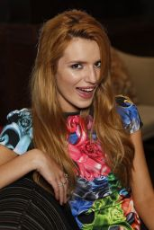 Bella Thorne - Women