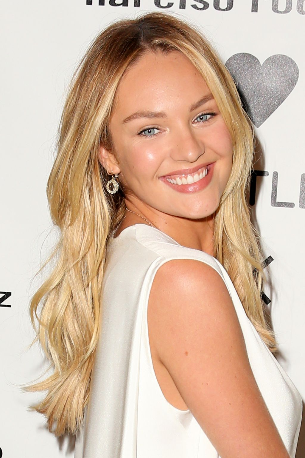 Candice Swanepoel – Narciso Rodriguez Bottletop Collection ...