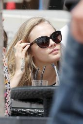 Cara Delevingne Street Style - Cannes (France) - May 2014