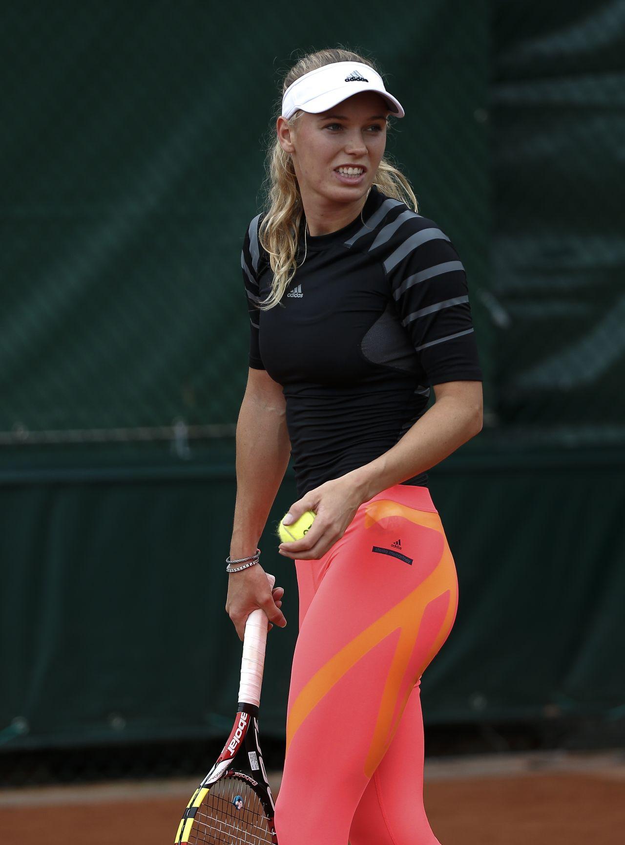 Caroline Wozniack – 2014 French Open Practice