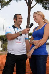 Caroline Wozniacki - Coaching clinic at Italian Open 2014 in Rome, Italy – May 2014