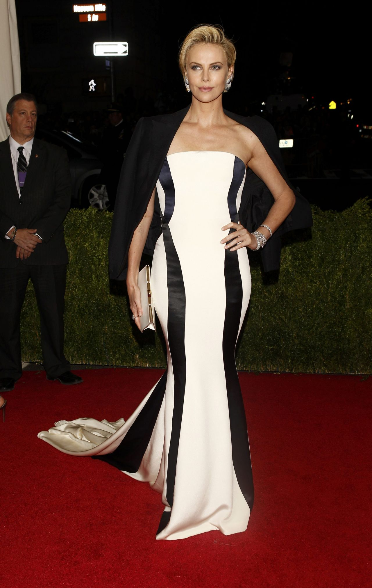 Charlize Theron in Christian Dior Black and White Gown – 2014 Met ...