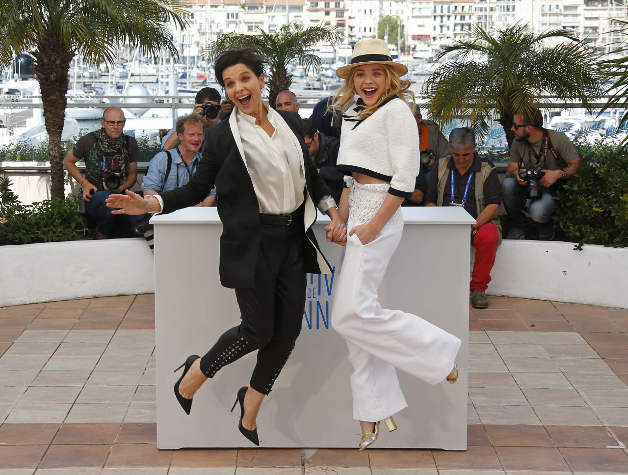 Chloe Grace Moretz and Juliette Binoche -