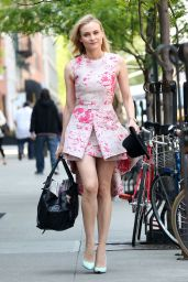 Diane Kruger Wearing Giambattista Valli Dress - Leaving the Bowery Hotel in New York - May 2014
