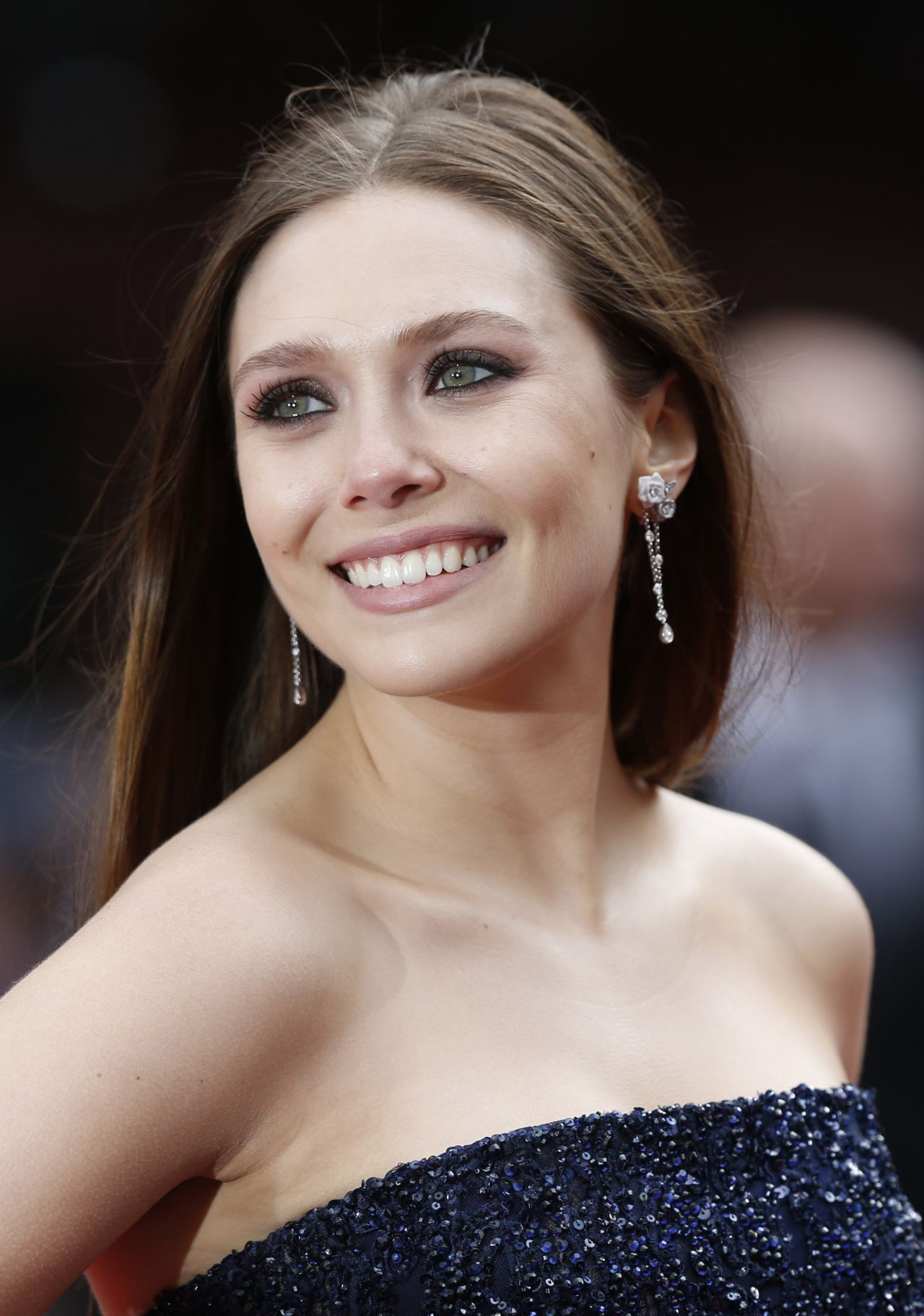 Elizabeth Olsen - 'Godzilla' Premiere in London