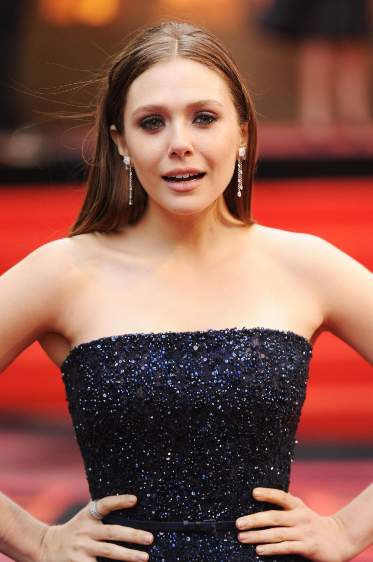 Elizabeth Olsen - 'Godzilla' Premiere in London